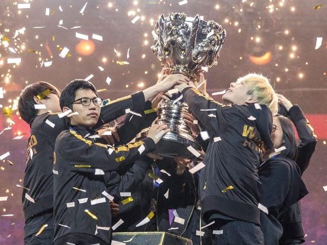 Shanghai Gets Keys to 2020 League of Legends World Championship Finals