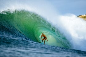 Apple orders surfing series